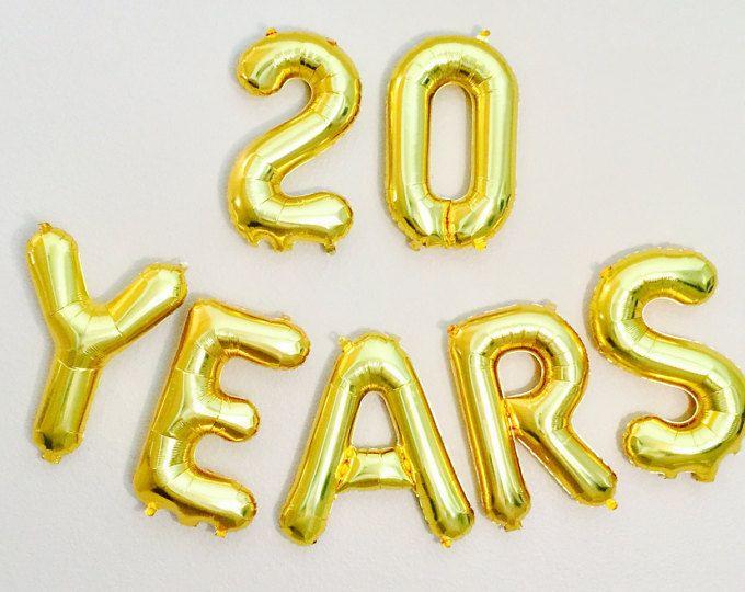 Красивая открытка, на день рождения, двацатник (20 лет)